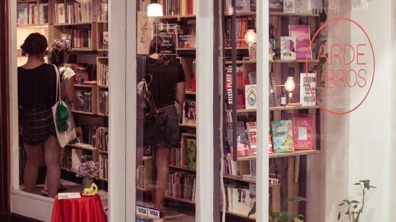 "Arde Libros, un espacio ""para politizarlo todo"""