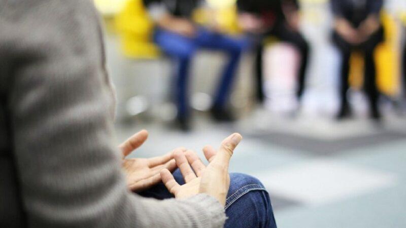 Varones violentos: una respuesta más allá del punitivismo